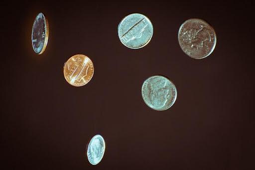 Mơ nhặt được tiền và chọn đúng tình huống liên quan con số mang lại hiệu quả cá độ thắng cao